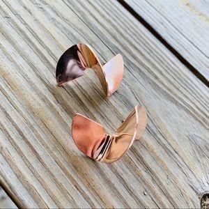 Jewelry - Rose Gold Twist Earrings